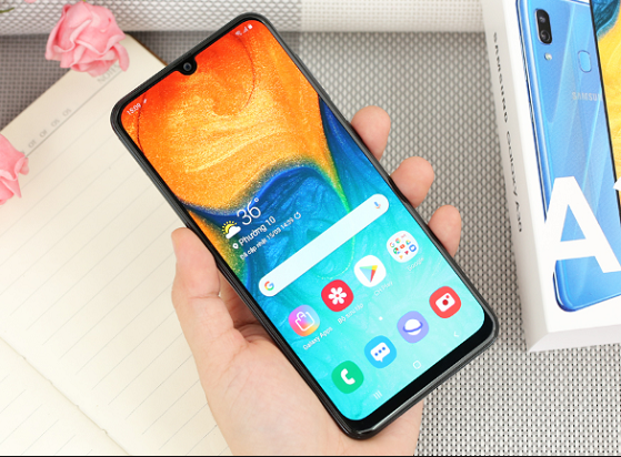 Sau khi thay màn hình Samsung A30 điện thoại bạn sẽ trông như mới
