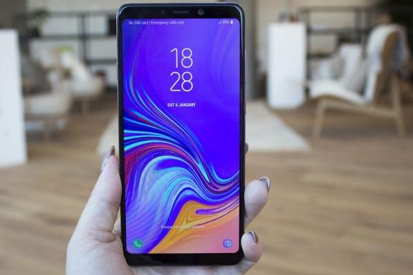 Mặt kính Samsung A9 2018 sau khi thay mới
