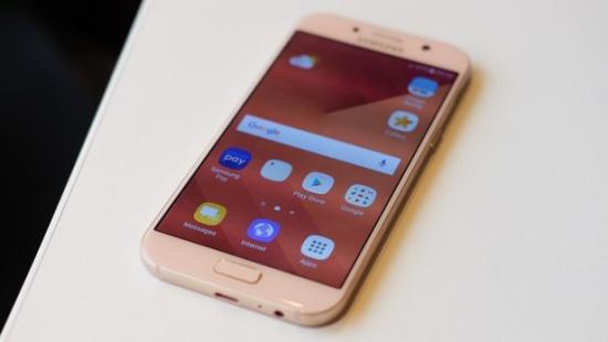 Samsung A5 bị vỡ màn hình trong