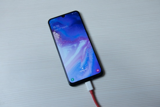 Samsung-A50-bi-sap-nguon