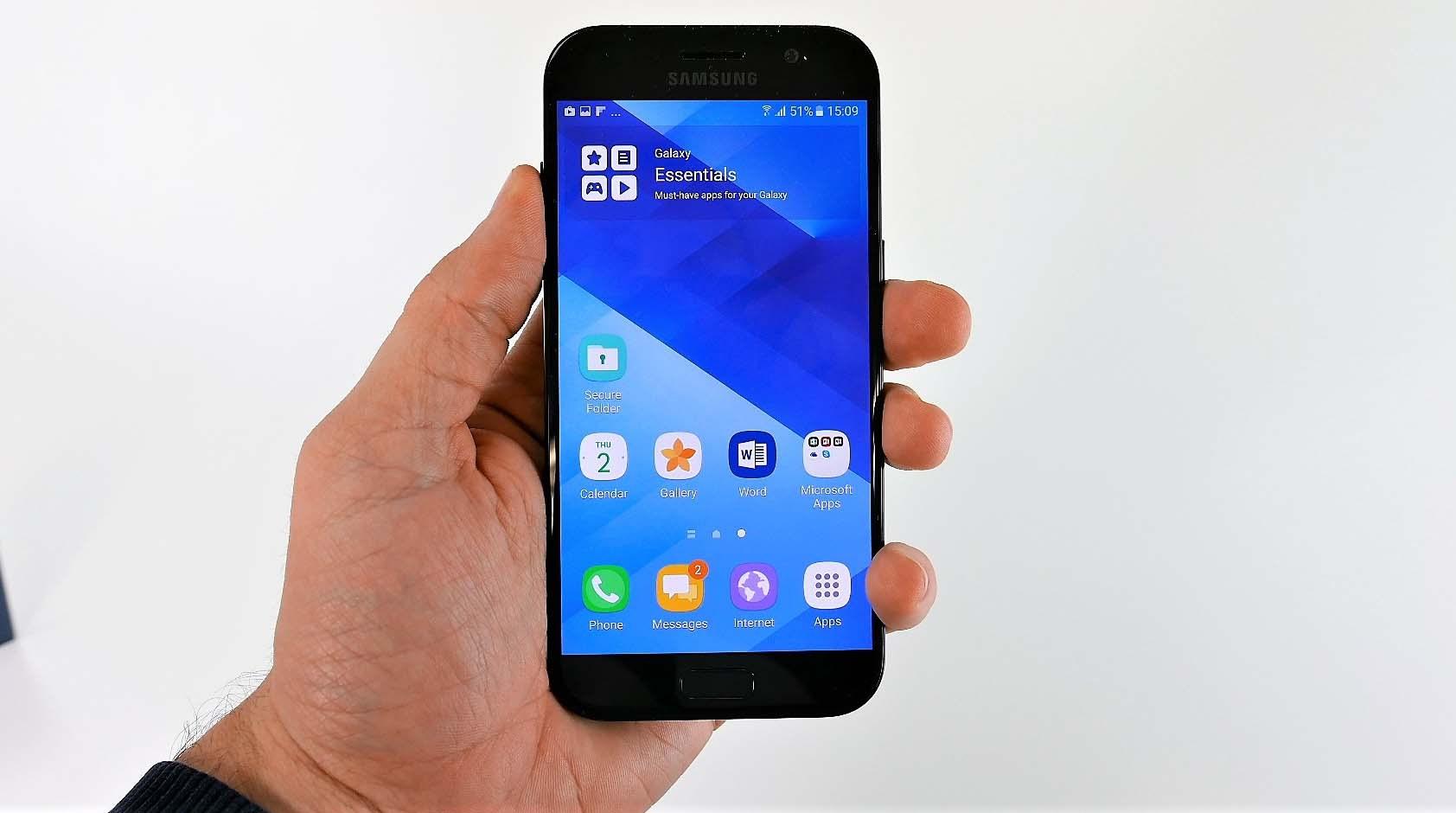 Khắc phục mặt kính Samsung A5 2017 bị trầy xước tại nhà