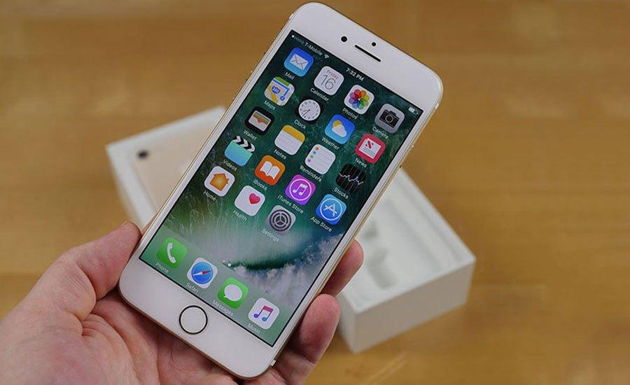 Tình trạng iPhone 7 Plus lỗi pin ảo