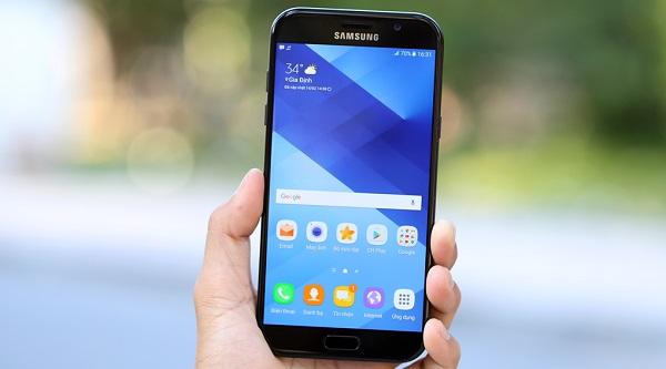 Sửa lỗi điện thoại Samsung A7 bị đen màn hình đơn giản