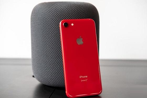 Tại sao iPhone 8 hết pin sạc không lên