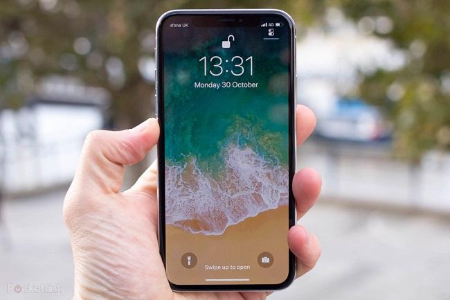 Tại sao camera iPhone X không lấy nét được