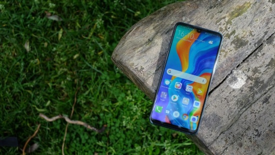thay mat kinh Huawei P30 Lite