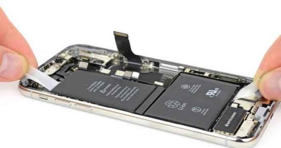Có thể bạn sẽ phải thay pin cho iPhone Xs Max