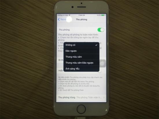 Cach tat man hinh den trang tren iPhone