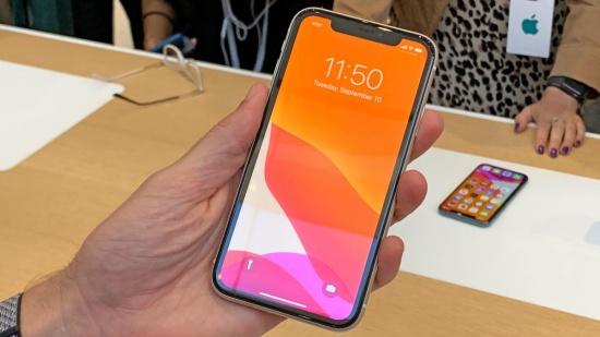 thay mat kinh iPhone 11