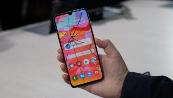 Samsung A70 bị sọc màn hình