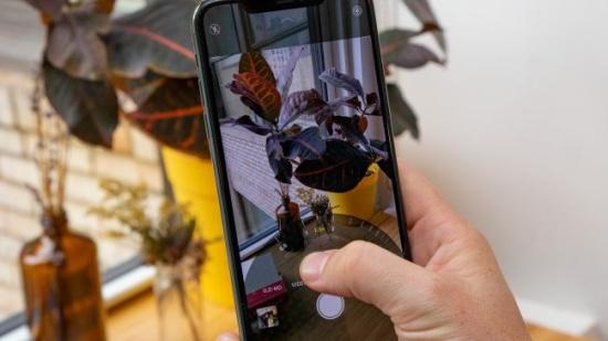 iPhone 11 Pro Max bị lỗi cảm ứng