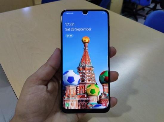 Samsung A50s là sản phẩm nổi bật trong phân khúc tầm trung