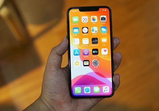 iphone 11 pro max khong nhan sac khong day