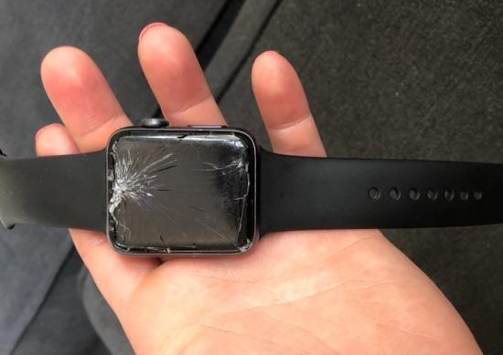 thay mat kinh Apple Watch Series 3
