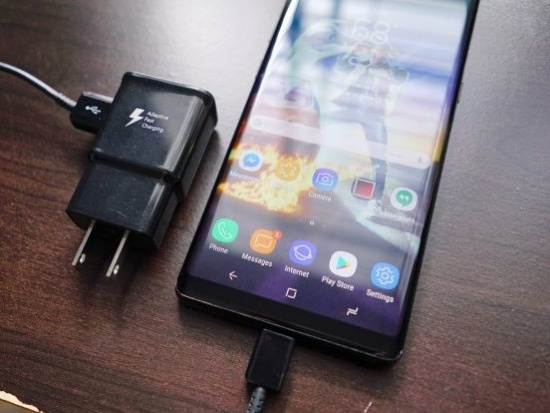 thay chan sac Samsung Note 8