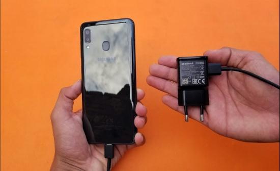 thay chan sac Samsung A20