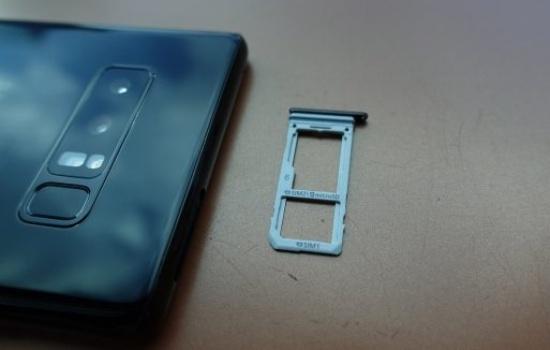 thay khay SIM Samsung Note 8