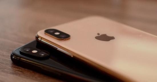 Kính camera là bộ phận dễ bị hư hỏng trên iPhone Xs