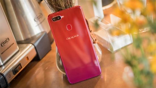 Vỏ Oppo F9 sẽ mất đi vẻ đẹp sang trọng ban đầu sau một thời gian sử dụng