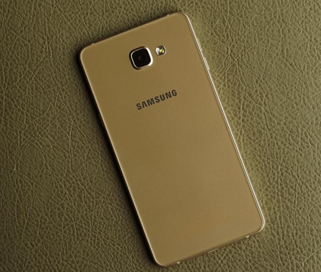 Thay nắp lưng Samsung A9 Pro chất lượng tại Fastcare