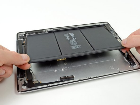 Người dùng thường phải thay pin iPad 4 sau một thời gian dài trải nghiệm
