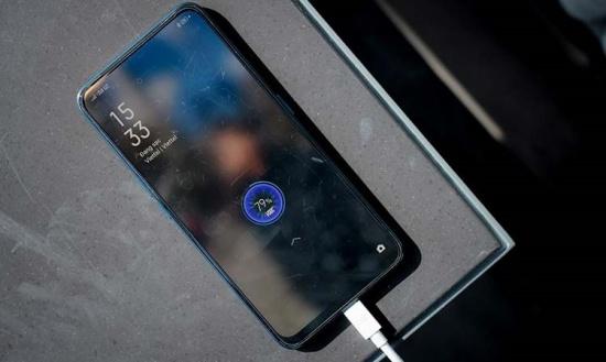 Oppo F11 được trang bị viên pin khủng với dung lượng cao