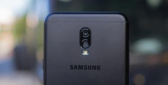 thay vo Samsung J7 Plus