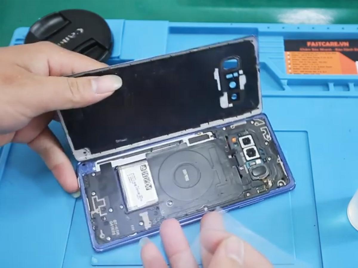 thay chan sac Samsung Note 9