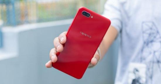 Oppo A3s sở hữu thiết kế thời trang