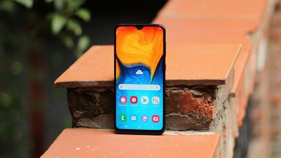 Samsung A20s sở hữu màn hình lớn với góc nhìn rộng