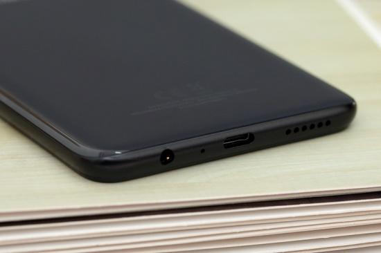 Samsung A20s được trang bị viên pin khủng