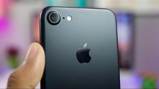 Kính camera iPhone 7 dễ bị bể, nứt hoặc xước