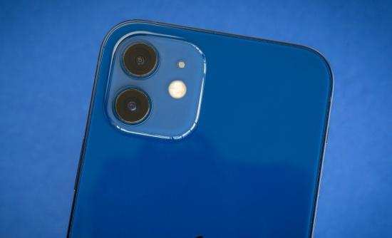 Camera sau iPhone 12 dễ bị hư hỏng