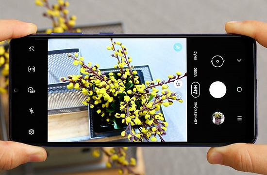 Dấu hiệu cho thấy camera sau điện thoại Samsung A31 đã bị hư hỏng