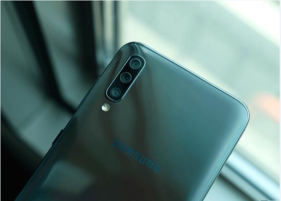 Dấu hiệu cho thấy camera sau Samsung A70 đã bị hư hỏng