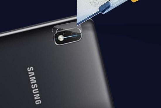 Kính camera Samsung A10 dễ bị hư hỏng