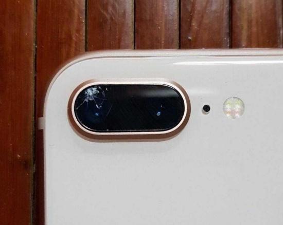 Kính camera iPhone 8 Plus bị xước