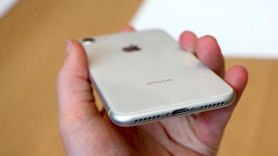 Loa ngoài iPhone 8