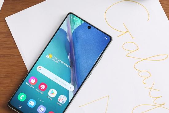 Màn hình Samsung Note 20 được đánh giá cao về khả năng hiển thị