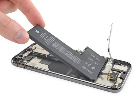 Nhiều người đang có nhu cầu thay pin iPhone 11 Pro