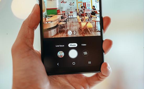 Dịch vụ thay camera Samsung A10s chất lượng cao