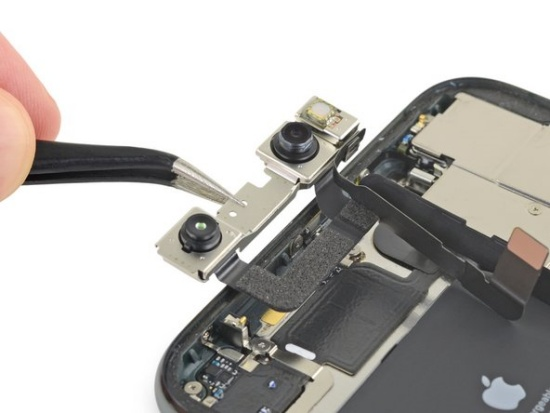 Thay camera trước iPhone 11 Pro Max