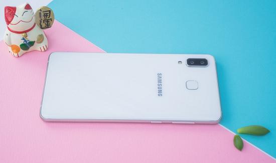 Địa chỉ thay mặt kính Samsung A8 Star uy tín