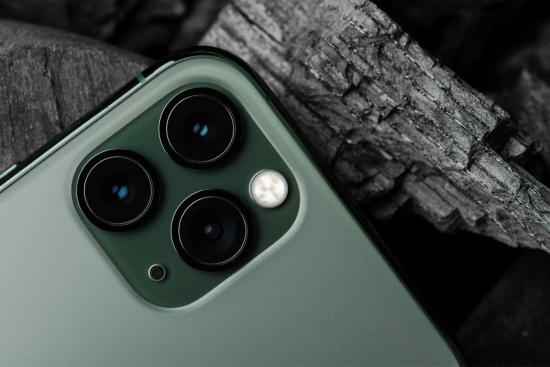 Camera sau iPhone 12 Pro Max dễ bị hư hỏng