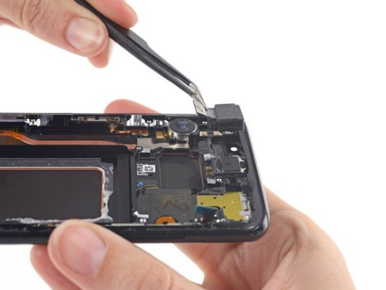 Camera trước Samsung S8