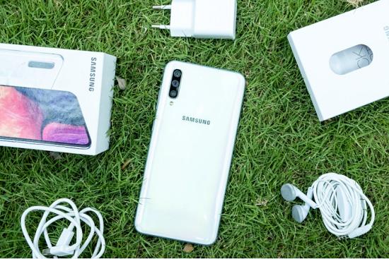 Samsung A50 là chiếc điện thoại được rất nhiều người yêu thích và sử dụng
