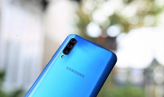 Bạn có muốn tìm hiểu dịch vụ thay camera Samsung A50 chất lượng cao?