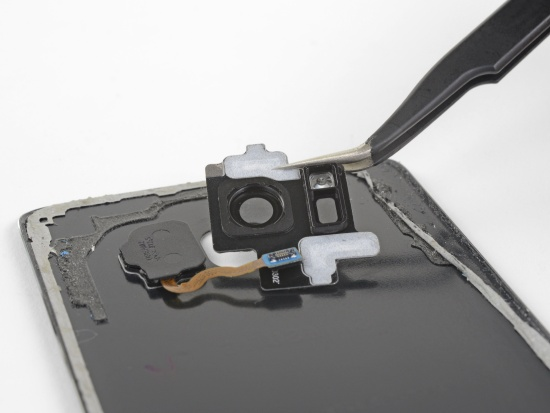 Thay camera sau Samsung S8