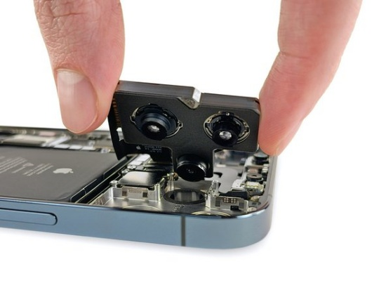 Thay camera sau iPhone 12 Pro Max giá rẻ