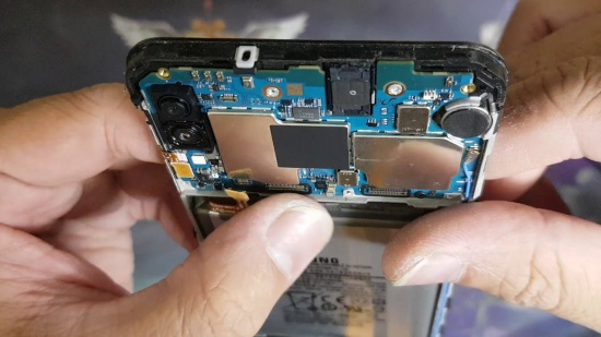 Thay loa trong Samsung M20